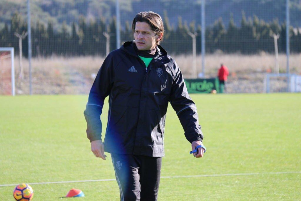 Vasiljevic, del despacho al campo de Tajonar