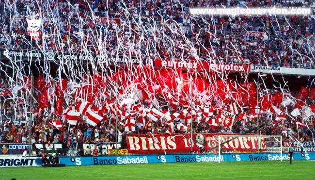 El Sevilla prohíbe las pancartas de Biris Norte en el Pizjuán y fuera de su estadio