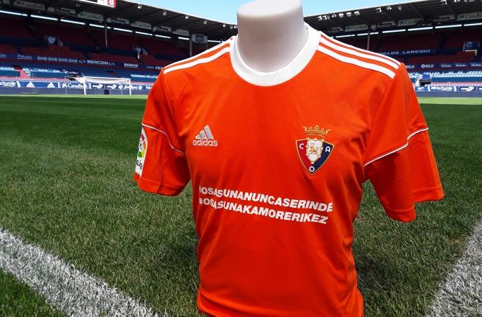 Las televisiones obligan a Osasuna a jugar con una camiseta naranja en el Camp Nou