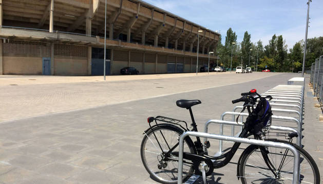 Ve a El Sadar en bicicleta