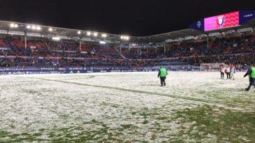 Indignación en la afición: el árbitro suspende el Osasuna-Nàstic por la nieve