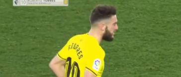 ¿Cuántos segundos tardó Roberto Torres en ver la primera amarilla?